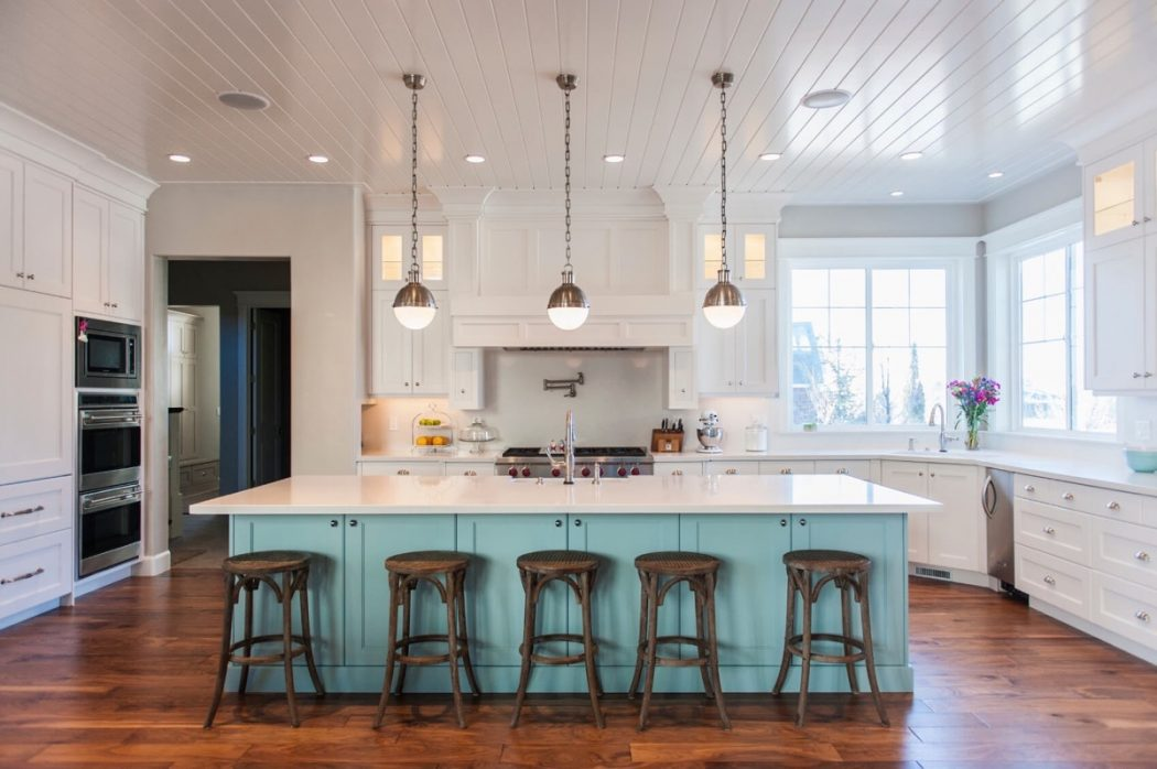 vintage-inspired-kitchen-lighting 13 Modern Ways to Decorate Your Kitchen!