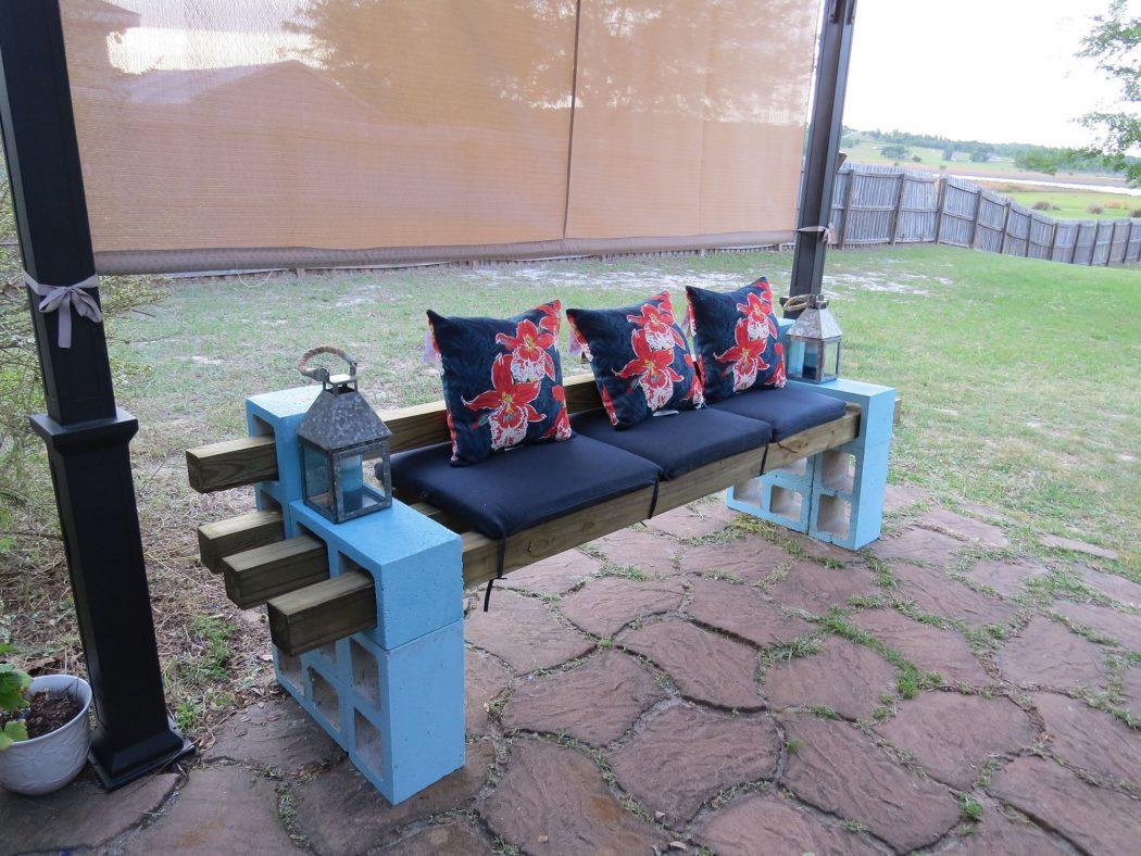 Block-and-wood-garden-benches 15 killer Garden Bench Decoration Ideas
