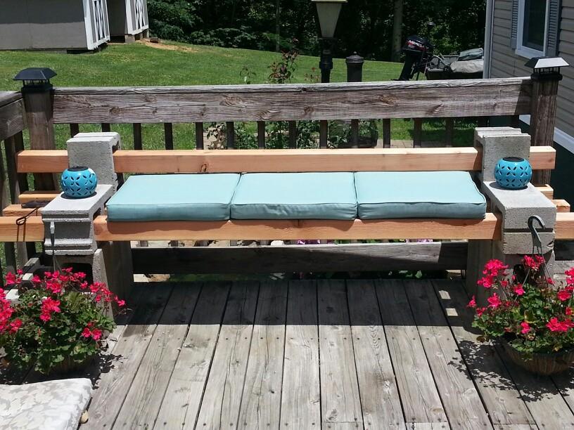 Block-and-wood-garden-benches2 15 killer Garden Bench Decoration Ideas