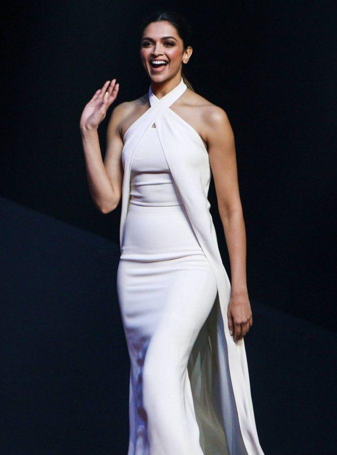 Deepika-Padukone-675x910 Top 10 Celebrity Diet Tricks for a Perfect Figure