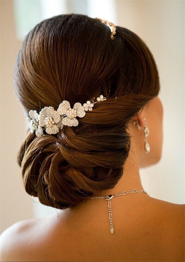 Fancy-Bridal-Updo-wedding-hairstyles1 12 Wedding Day Killer Hairstyles for Curly Hair