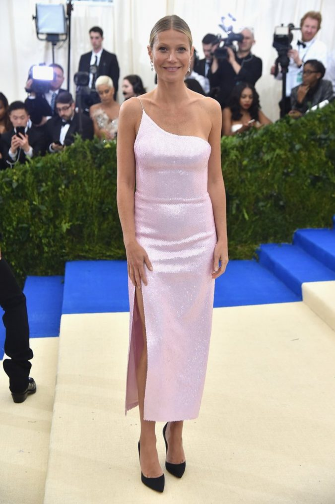 Gwyneth-Paltrow-2017-Met-Gala-675x1016 Top 10 Celebrity Diet Tricks for a Perfect Figure