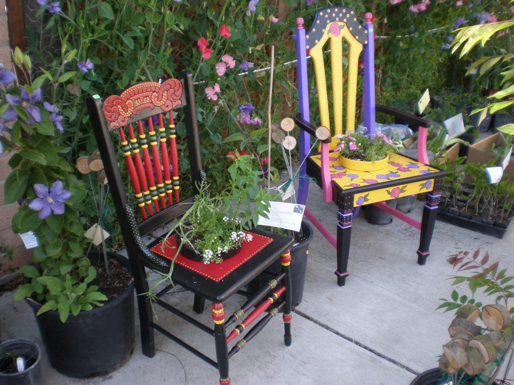 Rainbow-bench2 15 killer Garden Bench Decoration Ideas