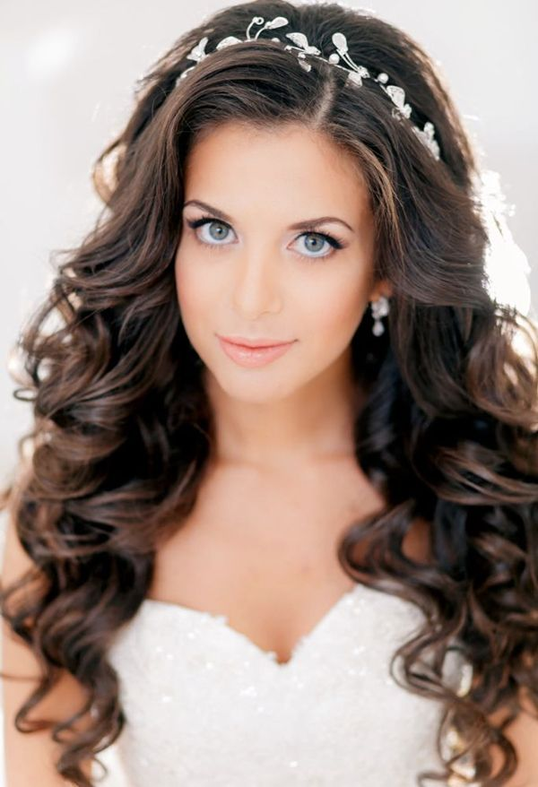 Simple-loose-curls-wedding-hairstyles 12 Wedding Day Killer Hairstyles for Curly Hair