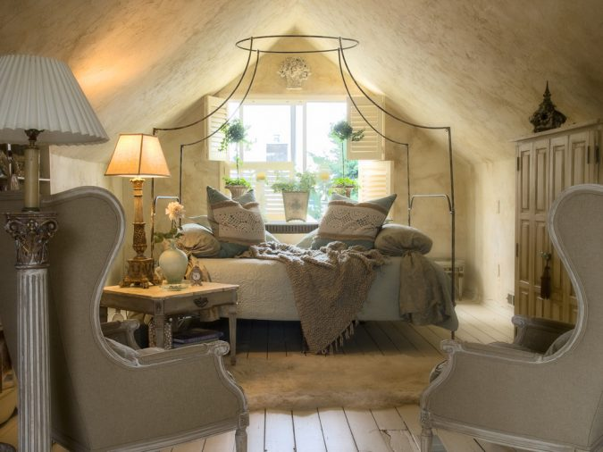 canopy-bed-bedroom-interior-design-8-675x506 Canopy Beds through History... 35+ Bedroom Designs