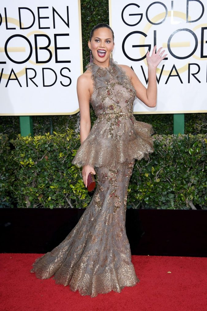 chrissy-tiegen-golden-globes-2017-red-carpet-675x1013 Top 10 Celebrity Diet Tricks for a Perfect Figure