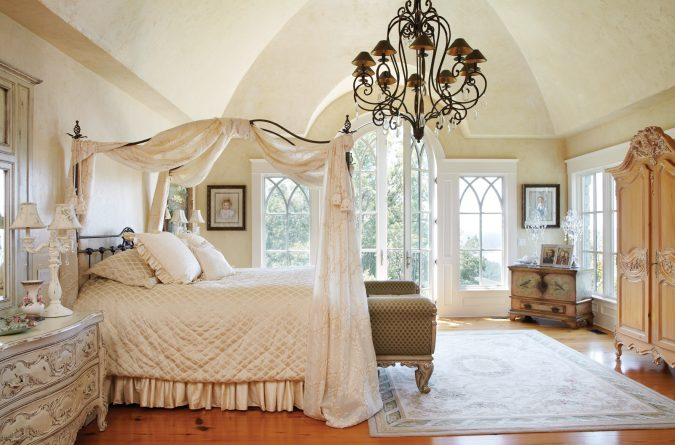 classic-bed-canopy-bedroom-interior-design-675x445 Canopy Beds through History... 35+ Bedroom Designs