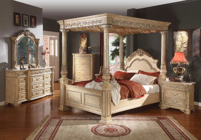 classic-canopy-bedroom-675x471 Canopy Beds through History... 35+ Bedroom Designs