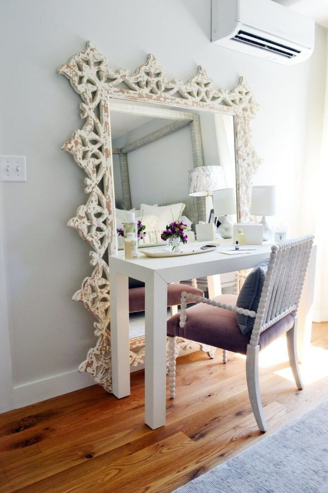 employing-mirror-in-small-space-675x1013 5 Best Ways to Make Your Small Space Cleaner