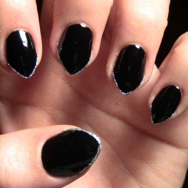 halloween-nail-ideas-103 89+ Seriously Spooky Halloween Nail Art Ideas