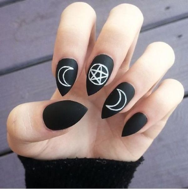 halloween-nail-ideas-109 89+ Seriously Spooky Halloween Nail Art Ideas