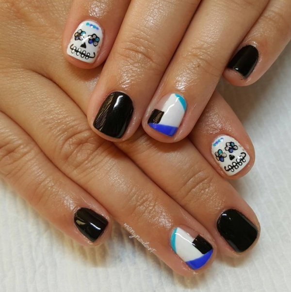 halloween-nail-ideas-110 89+ Seriously Spooky Halloween Nail Art Ideas
