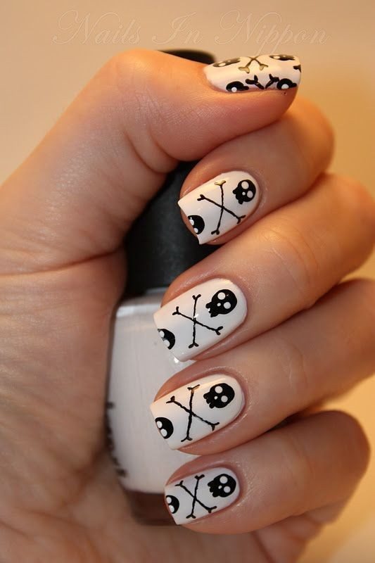 halloween-nail-ideas-12 89+ Seriously Spooky Halloween Nail Art Ideas