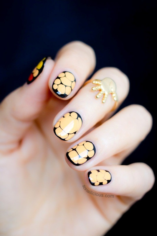 halloween-nail-ideas-13 89+ Seriously Spooky Halloween Nail Art Ideas