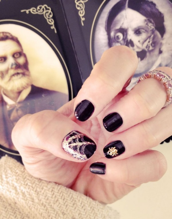 halloween-nail-ideas-137 89+ Seriously Spooky Halloween Nail Art Ideas