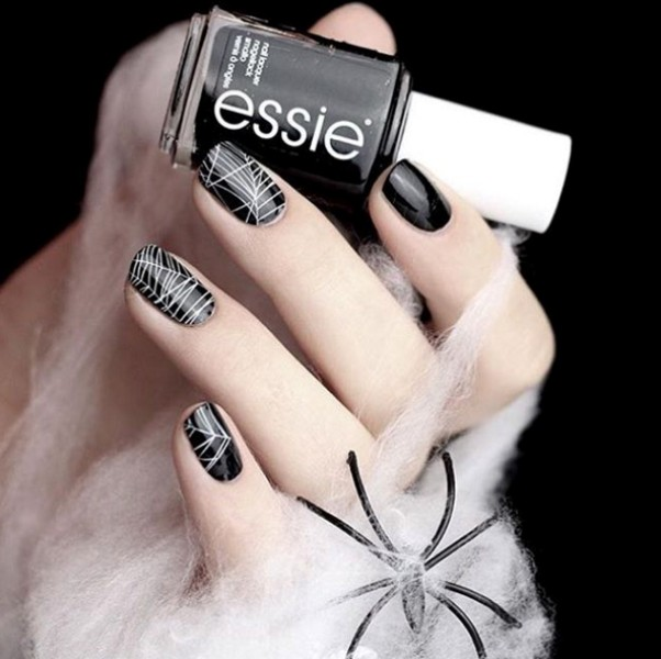 halloween-nail-ideas-167 89+ Seriously Spooky Halloween Nail Art Ideas