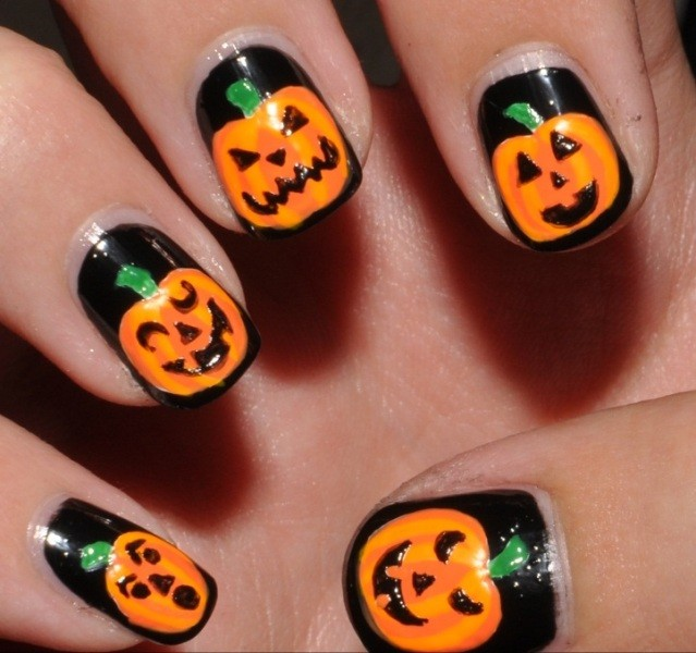 halloween-nail-ideas-177 89+ Seriously Spooky Halloween Nail Art Ideas