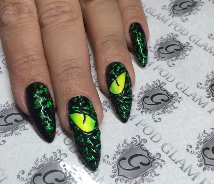 halloween-nail-ideas-184 89+ Seriously Spooky Halloween Nail Art Ideas