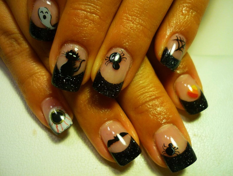 halloween-nail-ideas-194 89+ Seriously Spooky Halloween Nail Art Ideas