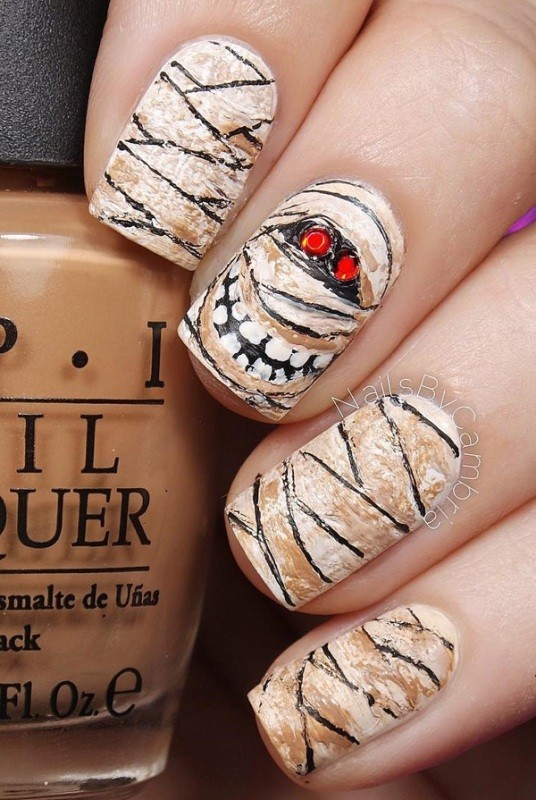 halloween-nail-ideas-20 89+ Seriously Spooky Halloween Nail Art Ideas