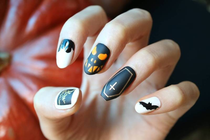 halloween-nail-ideas-205 89+ Seriously Spooky Halloween Nail Art Ideas