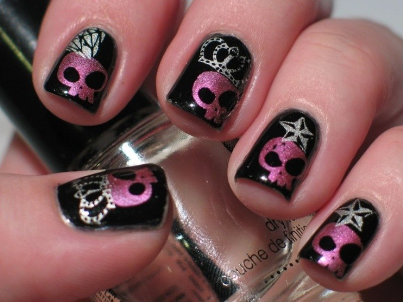halloween-nail-ideas-216 89+ Seriously Spooky Halloween Nail Art Ideas