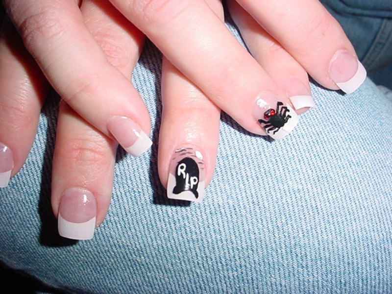 halloween-nail-ideas-224 89+ Seriously Spooky Halloween Nail Art Ideas