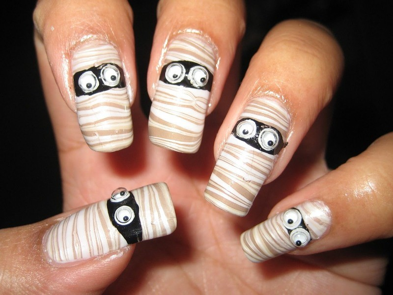 halloween-nail-ideas-226 89+ Seriously Spooky Halloween Nail Art Ideas