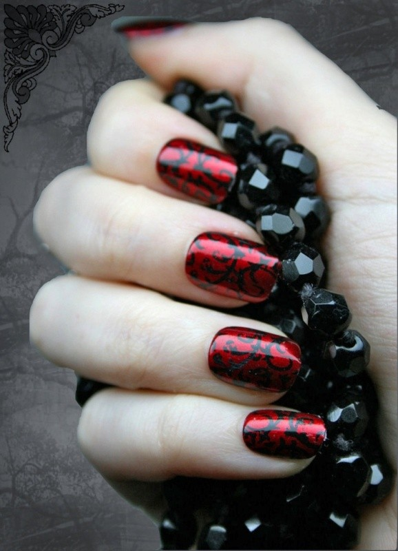 halloween-nail-ideas-24 89+ Seriously Spooky Halloween Nail Art Ideas