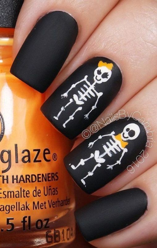 halloween-nail-ideas-3-1 89+ Seriously Spooky Halloween Nail Art Ideas