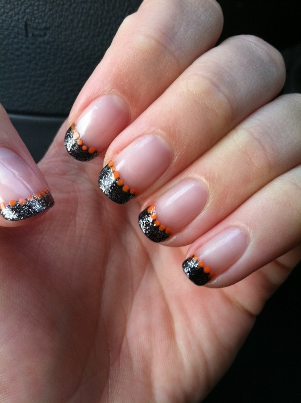 halloween-nail-ideas-30 89+ Seriously Spooky Halloween Nail Art Ideas