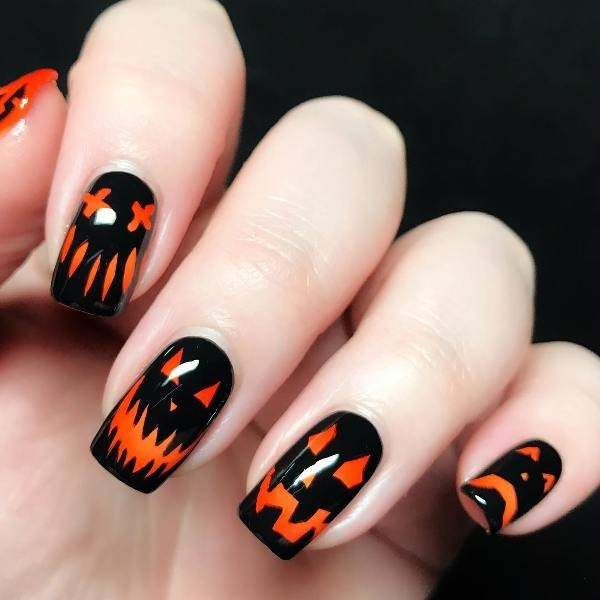 halloween-nail-ideas-36 89+ Seriously Spooky Halloween Nail Art Ideas