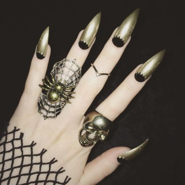 halloween-nail-ideas-45 89+ Seriously Spooky Halloween Nail Art Ideas