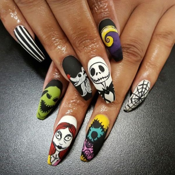 halloween-nail-ideas-52 89+ Seriously Spooky Halloween Nail Art Ideas