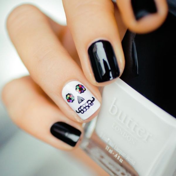 halloween-nail-ideas-56 89+ Seriously Spooky Halloween Nail Art Ideas