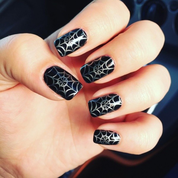 halloween-nail-ideas-74 89+ Seriously Spooky Halloween Nail Art Ideas