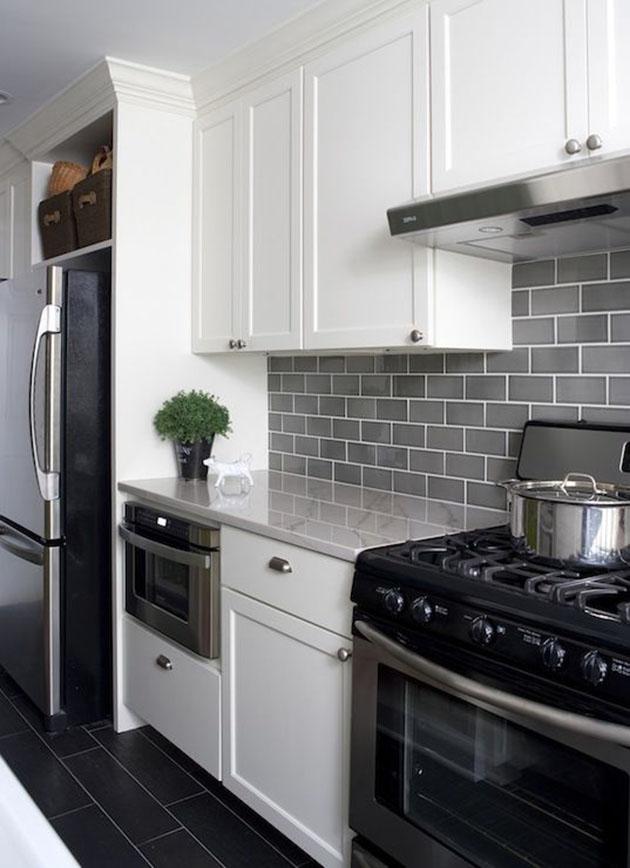 kitchen-wth-white-cabenites Top 10 Best White Bright Kitchen Design Ideas
