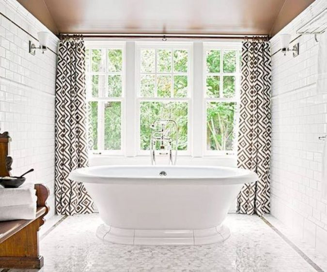 modern-bathroom-window-curtains-675x562 7 Unique Ways to Get Luxury Hotel Bathroom at Home