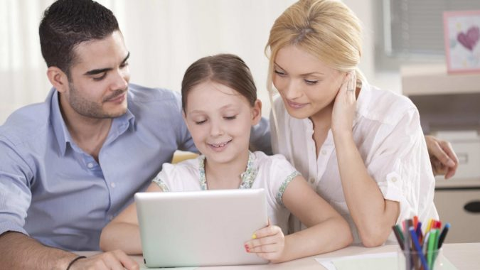 parents-and-girl-using-tab-675x380 4 Parenting Tips for Non-Tech Savvy Parents