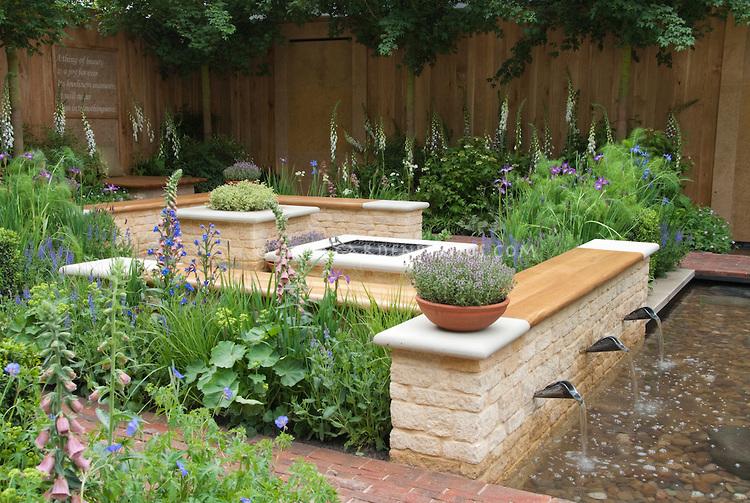 plant-pots-garden-benches1 15 killer Garden Bench Decoration Ideas