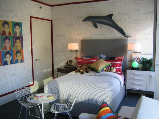 teenage-boy-bedroom-decoration-using-dark-grey-dolphin-675x506 Top 10 Coolest Room Design Ideas for Guys ... [2018 Trends]
