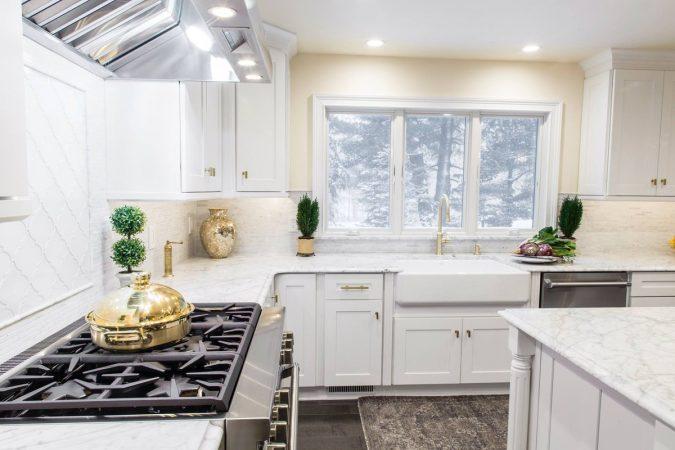 white-kitchen-2-1-675x450 Top 10 Best White Bright Kitchen Design Ideas