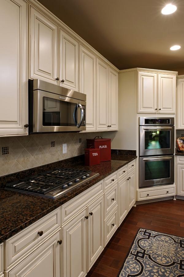 white-kitchen-with-dark-surfaces-2 Top 10 Best White Bright Kitchen Design Ideas