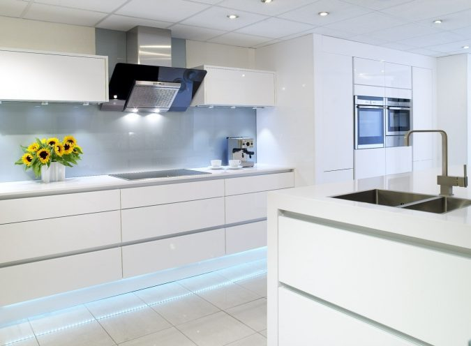 white-kitchen-with-glossy-cabinets-2-675x496 Top 10 Best White Bright Kitchen Design Ideas