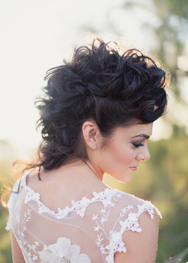 wild-wedding-hairstyle 12 Wedding Day Killer Hairstyles for Curly Hair