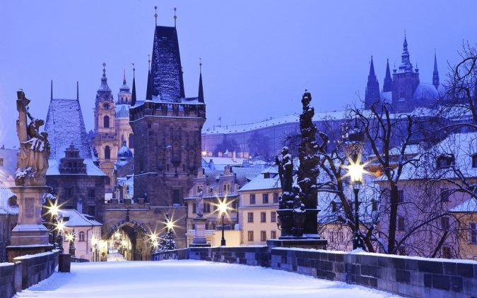 Charles-Bridge-prague-675x423 Top 10 Things to Do in Prague Evenings
