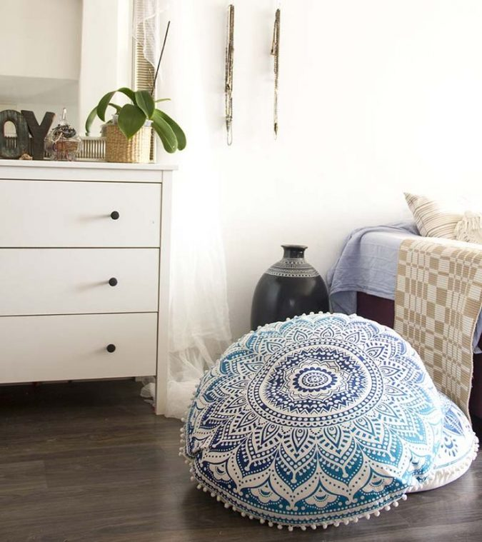 Indian-interior-design-floor-cushions-675x759 Top 5 Indian Interior Design Trends for 2020