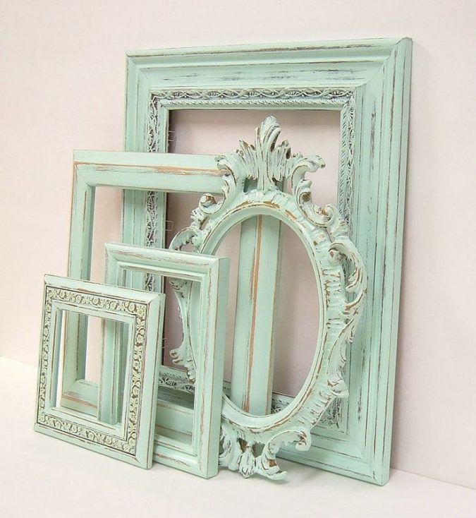 Indian-interior-design-green-picture-frames-vintage-picture-frames-675x734 Top 5 Indian Interior Design Trends for 2018