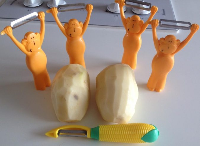 MONKEY-potato-PEELER-kitchen-accessories-2-675x494 Top 10 Unusual Kitchen Products Coming in 2020