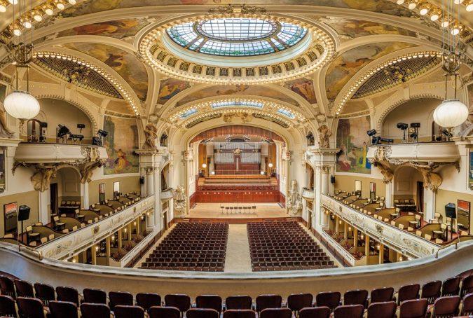 Municipal-House-Smetana-hall-Prague-675x454 Top 10 Things to Do in Prague Evenings